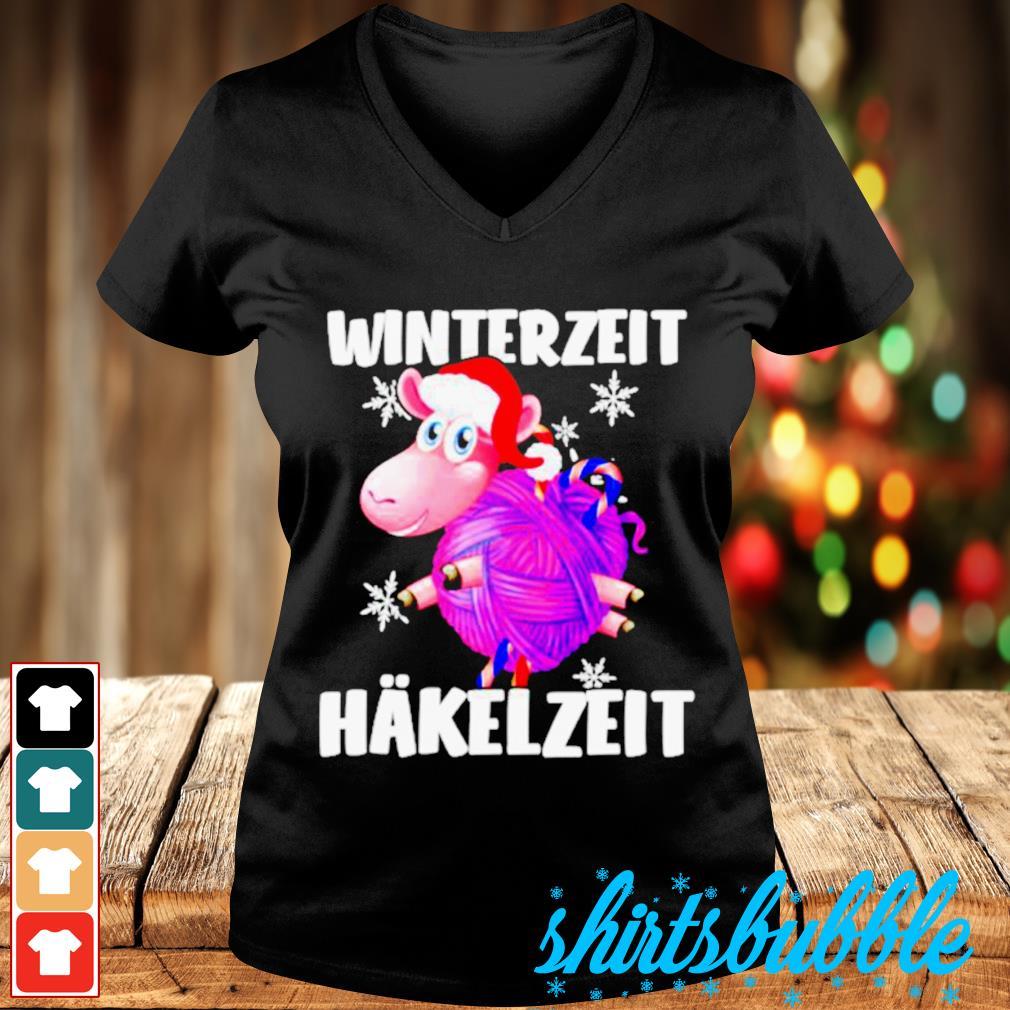 Sheep Santa hat Winterzeit Hakelzeit Christmas s V-neck t-shirt